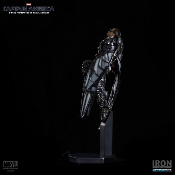 Captain-America-The-Winter-Soldier-Falcon-Art-Scale-Iron-Studios-04