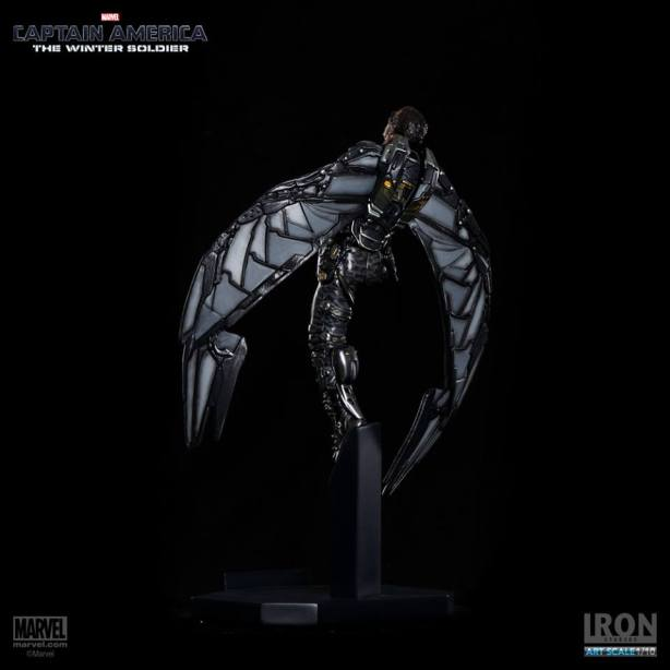 Captain-America-The-Winter-Soldier-Falcon-Art-Scale-Iron-Studios-05