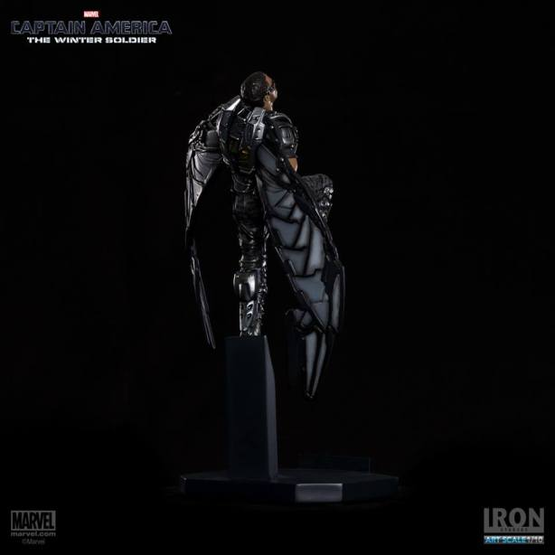Captain-America-The-Winter-Soldier-Falcon-Art-Scale-Iron-Studios-07